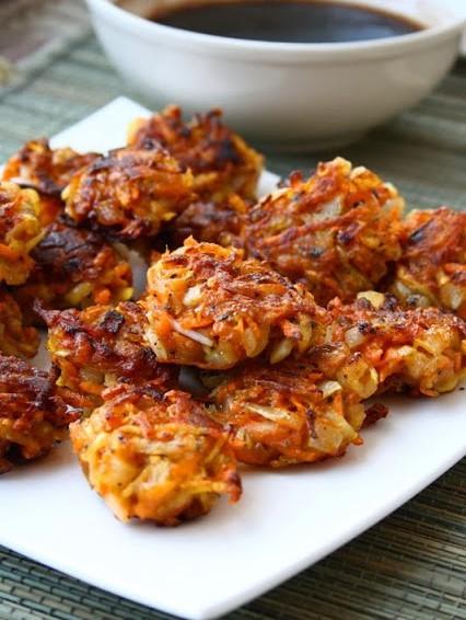 Buñuelos crujientes de verdura con salsa balsamica