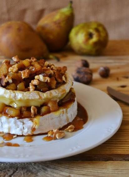 Queso camembert con canela pera