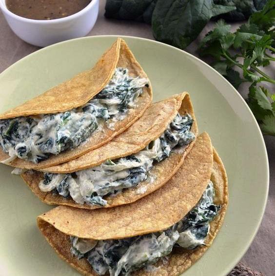 Tacos de requeson, espinaca y poblano