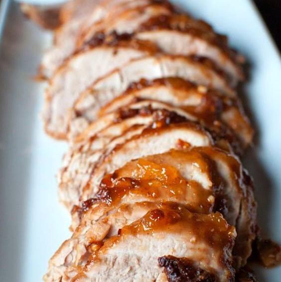 Lomo de cerdo con chutney