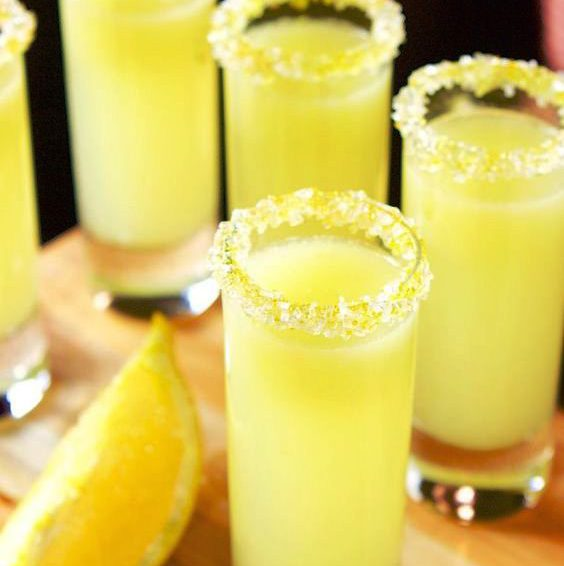 Vodka lemon shot
