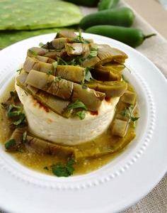 Queso en salsa verde