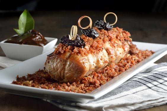Lomo de cerdo en salsa de ciruela y tocino